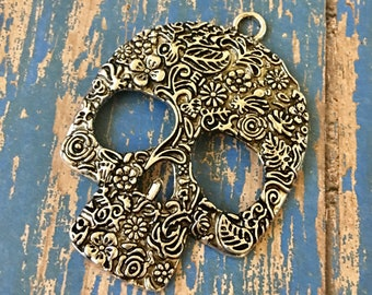 Skull Large Antiqued Silver Ornate Pewter Metal Ornate Skull Pendant Jewelry Supply