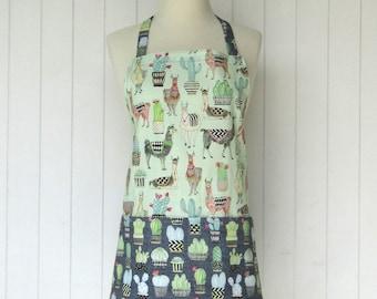 Llamas Vendor Apron / Short BBQ Apron / Side to Side Pockets / Short Apron / Teacher Apron / Llamas / Cactus / Gray and Light Green