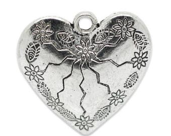 set of 3 flower 32 x 31 mm patterned heart charm pendants