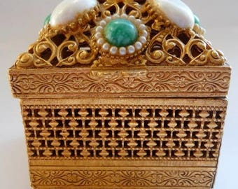 Florenza jewelry box. Ring trinket box. Gift for her. Goldtone faux pearl jade. Engagement box. Wedding gift. Bridal shower. 1960s vintage.