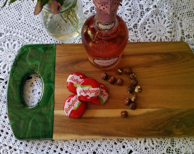 SOLD - Hand painted cheeseboard, acaciawood with acrylic art and resin by mineralphotos