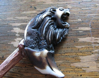 Lion charm | crescent moon | shawl pin wood | handmade | rustic