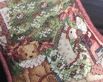 MAYniaSALE Vintage Hard to find Leisure Arts 'round the tree Christmas Stocking book 2, counted cross stitch leaflet 748