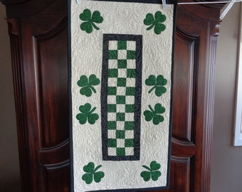 Shamrock runner, Irish runner, St. Patrick's runner 0409-03