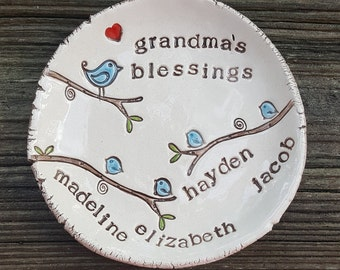 personalized dish for mom - up to 4 childrens names