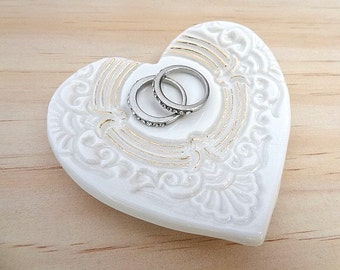 Ceramic ring dish with gold detail. Porcelain ring holder. Wedding ring pillow, candle holder, jewellery holder. Gold heart ring bowl.