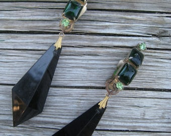 Beautiful Vintage Faceted Pyramid Shaped Beaded Earrings with Emerald Colored Stones and Crystals
