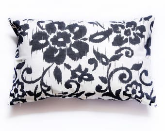 Black and white floral 40 cm x 65 cm Cushion cover