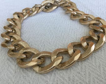 Chunky Huge Golden Chain Necklace