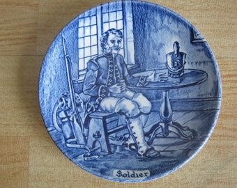"Enoch Wedgwood Tunstall Ltd ""Soldier"" Pin dish"