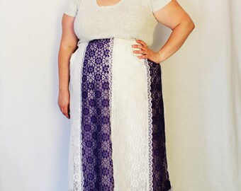 Plus Size - Vintage Purple & White Lace Gore Skirt (Size 14/16)