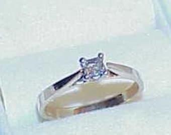 14k .25Ct VS Princess Cut Diamond Solitaire Ring White Gold