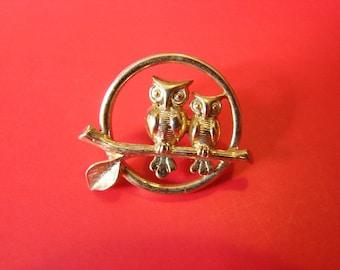 Vintage Avon gold owl pair brooch (G8)