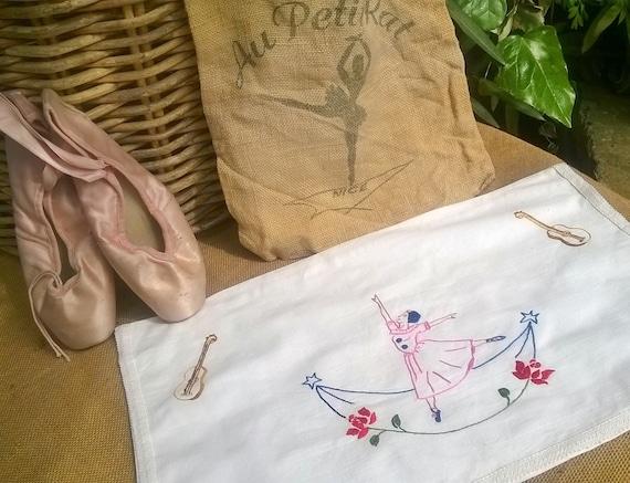 Vintage White Lingerie Bag French Cotton Ballet Dancer Embroidered Lingerie Case Nightgown Pajama Bag #sophieladydeparis