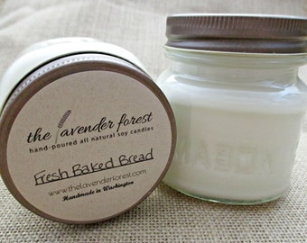 fresh baked bread // hand-poured 8oz mason jar soy candle // natural soy wax // highly scented // rustic