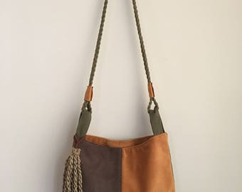 Small and  light shoulder bag