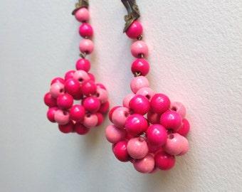 Vintage 70s wood pink earrings Hippy style