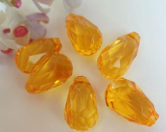 set of 6 pendants faceted plastic yellow