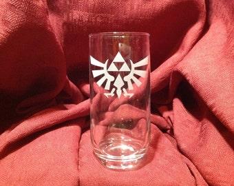 Verre avec gravure Tri-force de Legend of Zelda