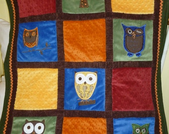 Whooo Loves You Owl Blanket (Multi- colored)