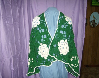 off white and green shawl