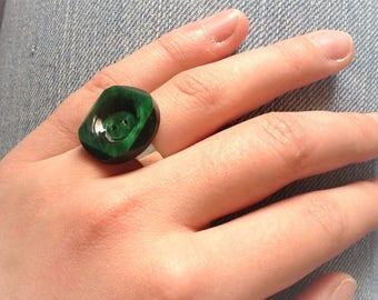 Dark green button silver ring