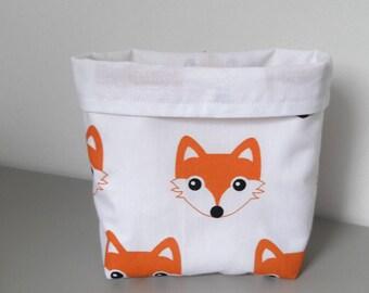 Empty pockets small Fox head