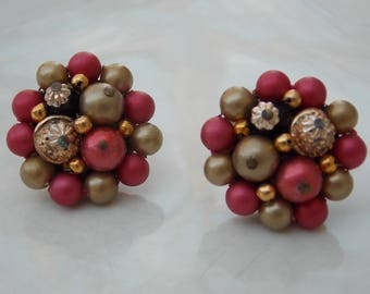 Large Red Gold 1950s Cluster Clip On Earrings