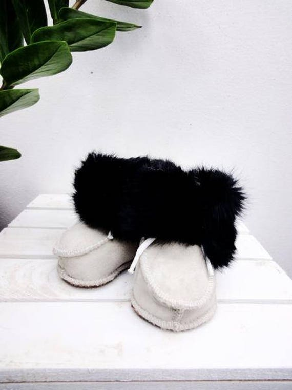 Real Leather Baby Slippers. Natural Sheepskin Baby's Shoes. Genuine Leather & Natural Soft Fur Slippers.