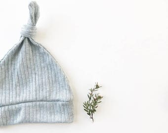 Beanie/Hat - Infant Knot Beanie in Sky Blue Knit