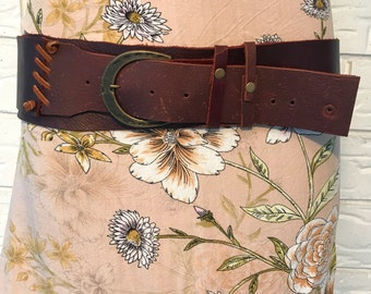 Mahogony raw edge leather belt with copper buckle and thonging stitch detail