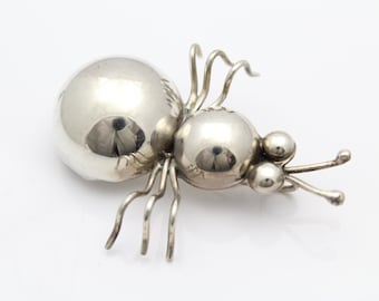 Cute Artisan-Made Bug Brooch-Pendant in Sterling Silver. [9733]