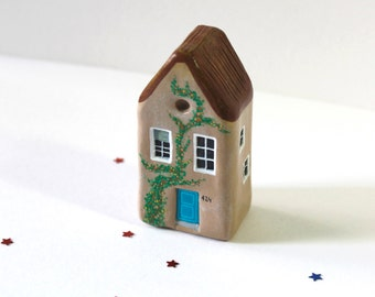 Miniature clay house / Little clay house / Sandy brown house / Collectible / Home decor / House warming gift / OOAK figurine / Clay art