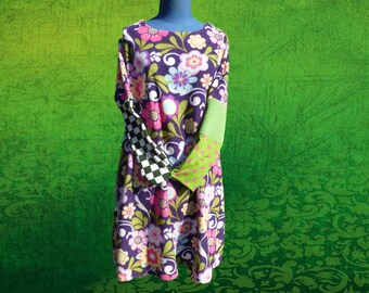 Trapeze dress with big flowers, asymmetrical sleeves fleece