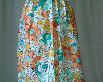 Vintage St.Michael button fronted cotton floral skirt. 26inch waist. 100% Cotton.
