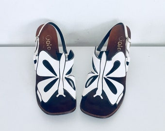 60s Butterfly Sandals Shoes White Leather Wood Wedge Size 8.5 B 39 40 Made in Greece by Golo
