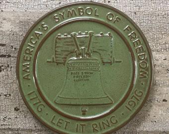 FRANKOMA Prairie Green Bicentennial Trivet Oklahoma Lions // Frankoma 1776 1976 Liberty Bell // Collectible Frankoma// Oklahoma USA Pottery