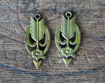 Chartreuse Patina Vintage French Brass Stamping/Antique Style/Pendant/Earring Drop/Arrow/Flower/Art Nouveau/French Findings