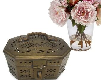 Vintage Indian Cricket Box Pierced Brass Storage Box India Ornate Jewelry Box Trinket Storage Box Elaborate Lift Top Brass Cricket Box