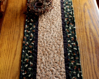 Quilted Table Runner, Pinecone Table Runner, Cabin Lodge Adirondack Decor