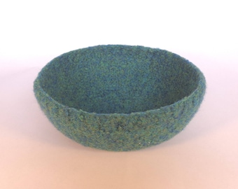 Felted bowl in Sea green 15 cm