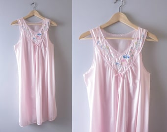 Vintage Pink Nightie | 1980s Pale Pink Embroidered Flowers Nightie M