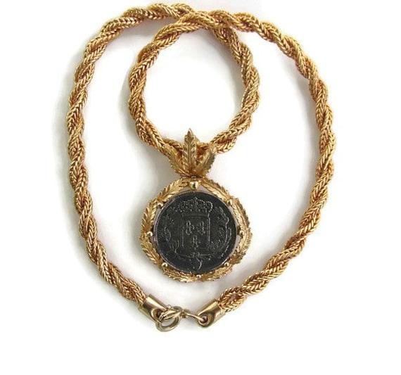 Heraldic jewelry statement choker large pendant gold silver te gusta este artculo aloadofball Image collections