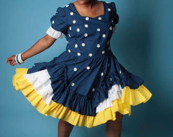 Vintage Lolita Dress // Plus Size Bustled Triple Tiered Ruffle Swing Dress with Daisy Appliques // Plus Size Dress (sz 2X 18 20)