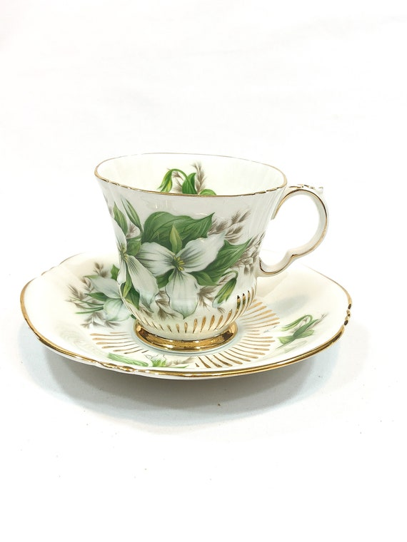 Royal Adderley Trillium Tea Cup, Canadian Provincial Wildflowers, Ontario Wildflower, White Green Gilded, 1960s Vintage Bone China Teacup