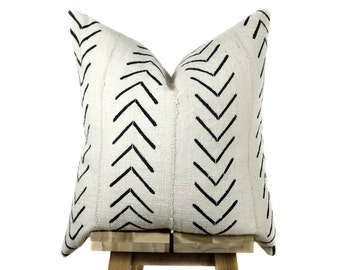 Mudcloth Pillow Cover, African Mud Cloth | Cream and Black | 'Asha'