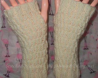 Adults cream fingerless gloves hand knitted