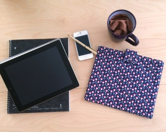 iPad Case / iPad Air Case / iPad 2 Case / iPad Cover / Tablet Case / Tablet Sleeve / Free Shipping / Spring / Blue Pink Tulip/ iPad Padded
