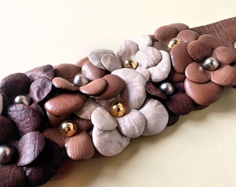 Womens cuff with leather flowers, romantic gift for her, leather flower bracelet floral bracelet floral jewelry leather jewelry cuff for her