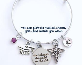 Cadeau pour PT présente l'obtention du diplôme, 2017 ou 2018 thérapeute physique Bracelet, breloque bracelet thérapie, elle croit qu'elle pourrait bijoux Bracelet argent